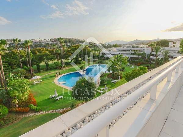 386m² Apartment with 109m² terrace for sale in Nueva Andalucía