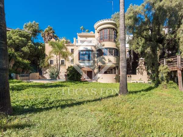 359m² House / Villa with 1,360m² garden for sale in East Málaga