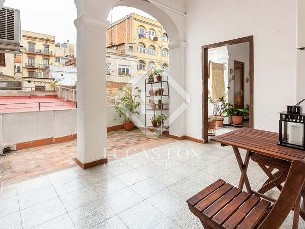 62m² Apartment with 14m² terrace for sale in Gràcia