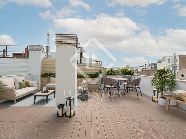 88 m² penthouse with 93 m² terrace for sale in Eixample Left