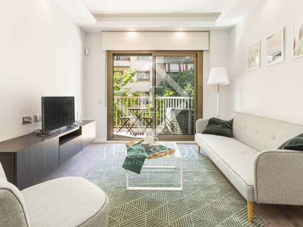 95 m² apartment with 7 m² terrace for rent in Eixample Right