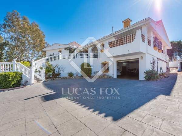 327 m² house for sale in East Málaga