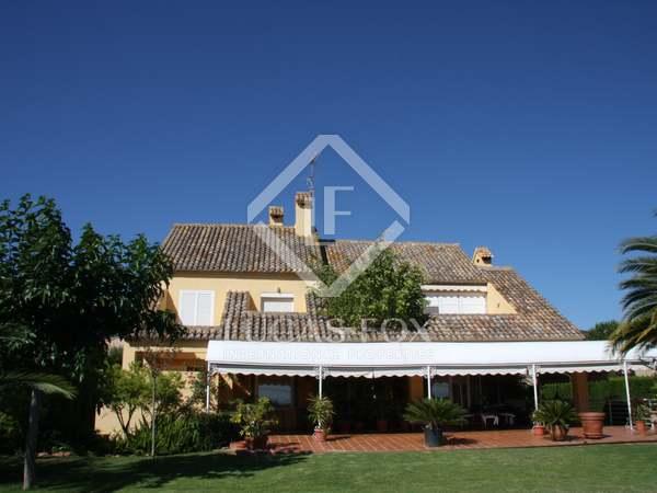 Villa de 345m² con 500m² de jardín en alquiler en Puzol