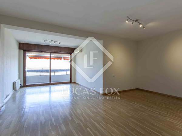 159 m² apartment with a terrace for rent in El Pla del Real