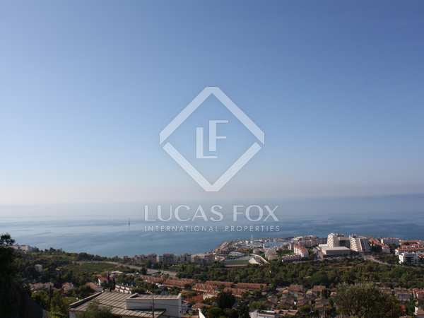 Perceel van 839m² te koop in Levantina, Barcelona