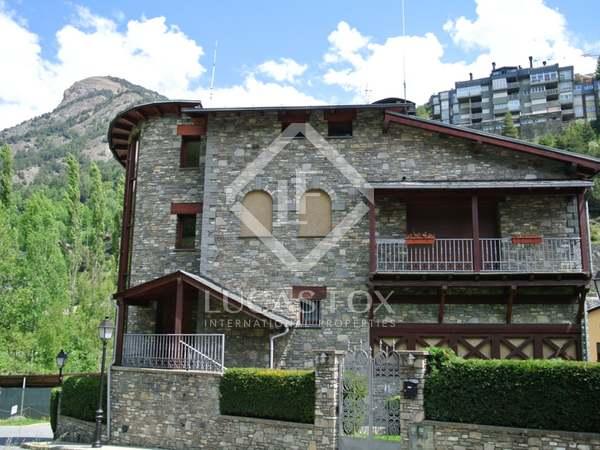 622m² Haus / Villa zum Verkauf in La Massana, Andorra