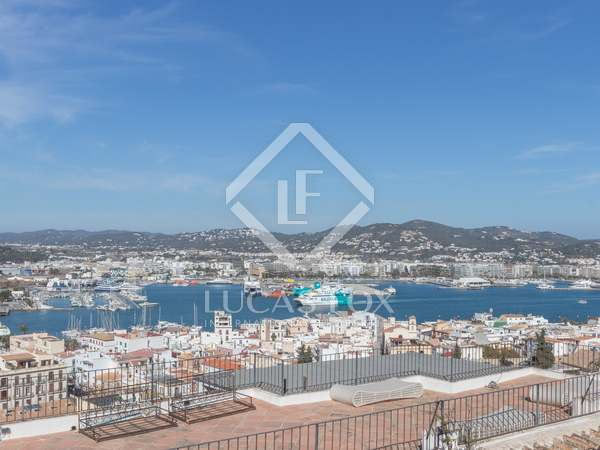 Renovated 2-bedroom townhouse for sale in Dalt Vila, Ibiza