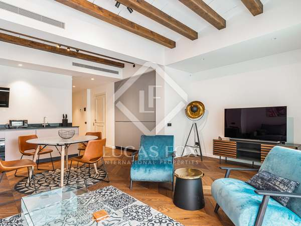 88m² Apartment with 25m² terrace for sale in Gràcia