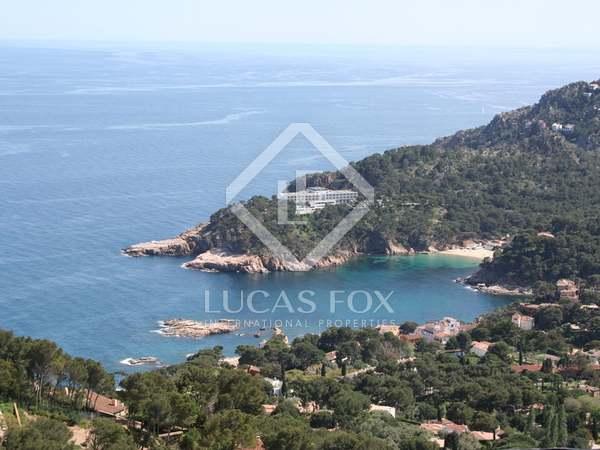 Terrain à bâtir avec vues sur la mer à acheter à proximité de Begur, sur la Costa brava, en Espagne.