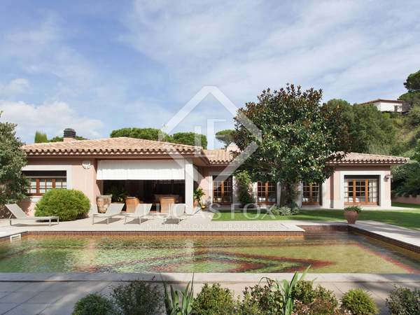 Luxury Costa Brava golf property to buy close to the beach