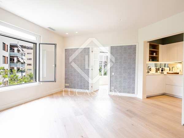 Appartement van 60m² te koop in Tres Torres, Barcelona