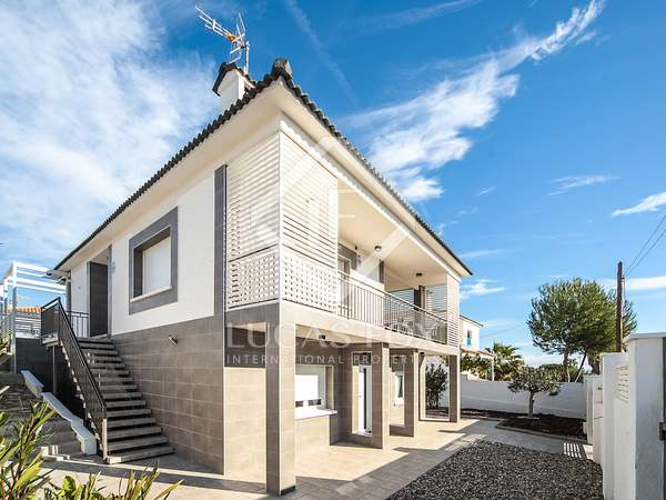 204m² House / Villa for sale in Calafell, Tarragona