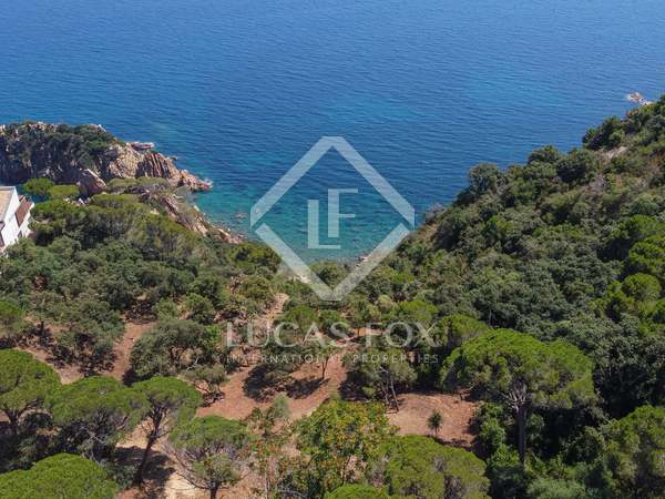 Seafront building plot to buy in exclusive Punta Brava