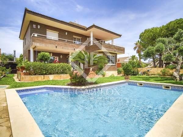 Casa de 358 m² con 395 m² de jardín en venta en Calafell