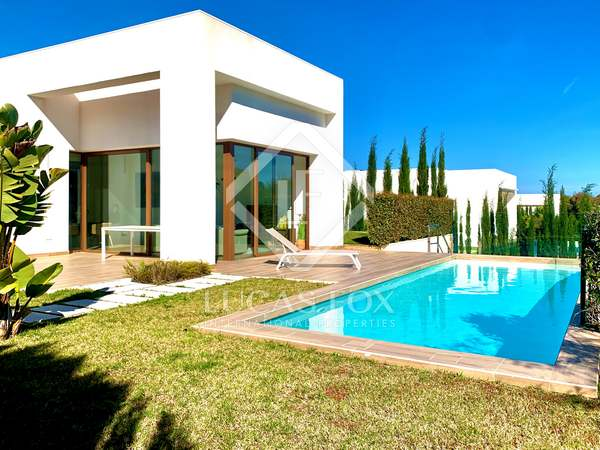 130m² House / Villa with 40m² terrace for sale in Alicante ciudad