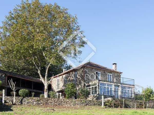 huis / villa van 396m² te koop in Pontevedra, Galicia