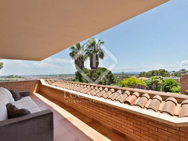 475 m² house with 557 m² garden for sale in Castelldefels