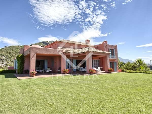 Hill-top villa for sale in the Marbella Club Golf Resort