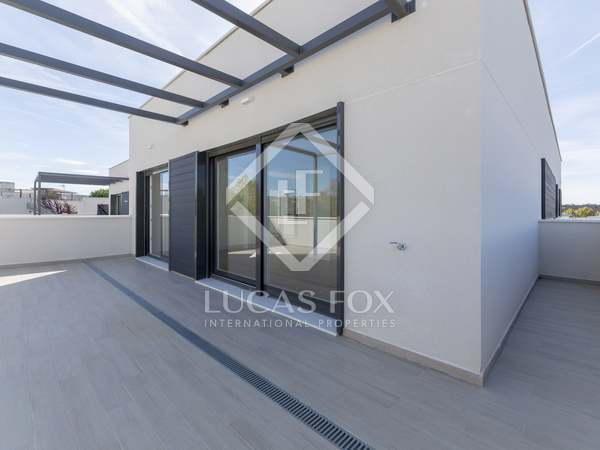 210m² Apartment with 85m² terrace for sale in Aravaca