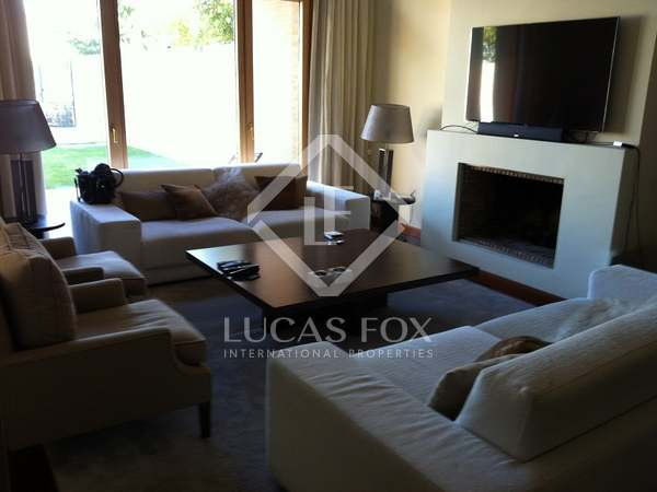 Luxury 5-bedroom house for rent in La Finca, Madrid