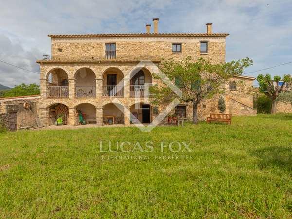 750m² House / Villa with 800m² garden for sale in Pla de l'Estany