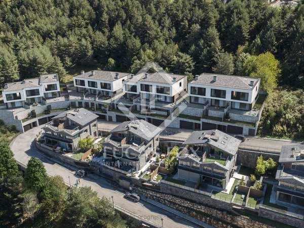 Huis / Villa van 303m² te koop met 99m² Tuin in La Massana