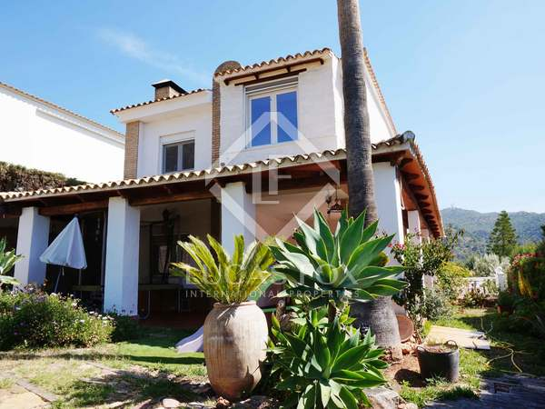 5-bedroom villa with covered pool for sale in Alfinach