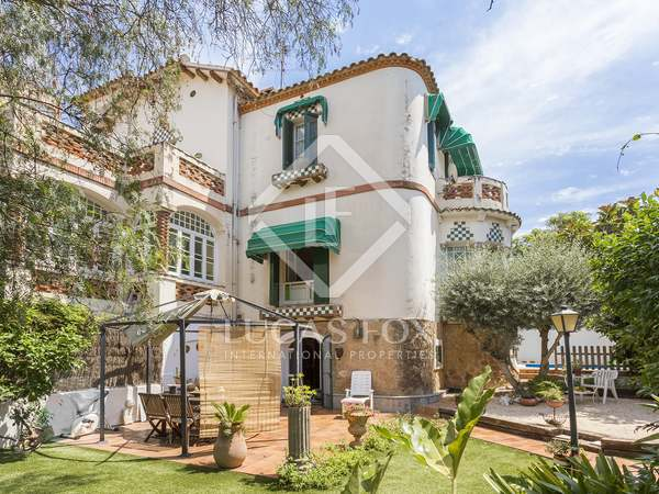 190m² property with 187m² garden for sale in Esplugues