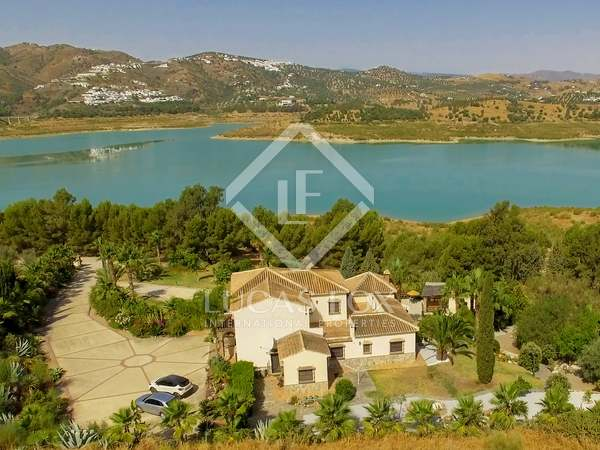 487m² Country house for sale in Axarquia, Málaga