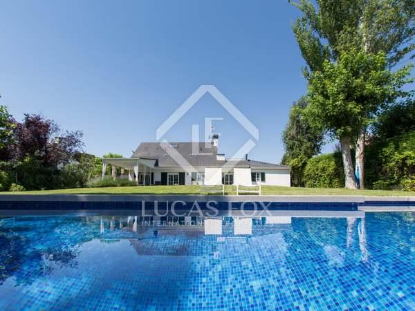 Maison / Villa de 317m² a vendre à Pozuelo avec 1,200m² de jardin