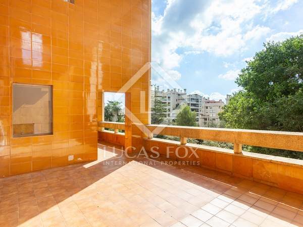 269m² Apartment with 34m² terrace for sale in Pedralbes