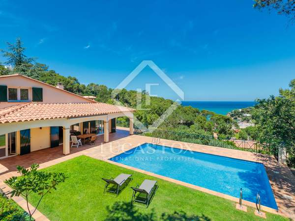 341m² Villa for sale in Sa Riera / Sa Tuna