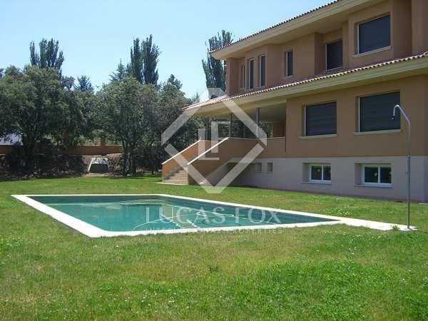 750m² Haus / Villa zum Verkauf in Ciudalcampo, Madrid