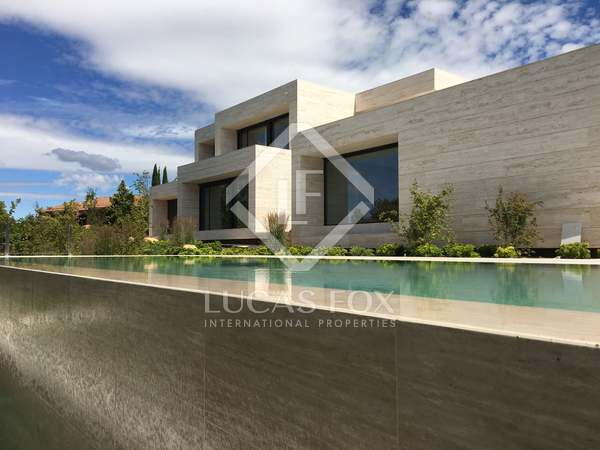 Huis / Villa van 1,000m² te koop in Pozuelo, Madrid