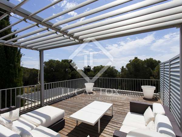 在 Els Cards, 锡切斯 109m² 出售 房子 包括 99m² 露台