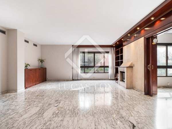 Appartement van 276m² te koop met 97m² terras in Tres Torres