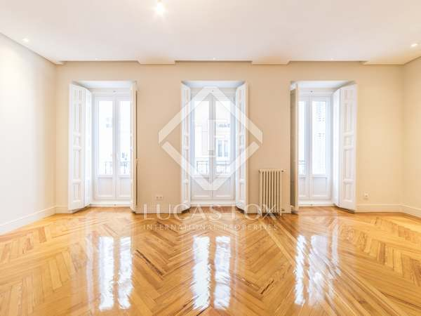 Piso de 238m² en venta en Justicia, Madrid