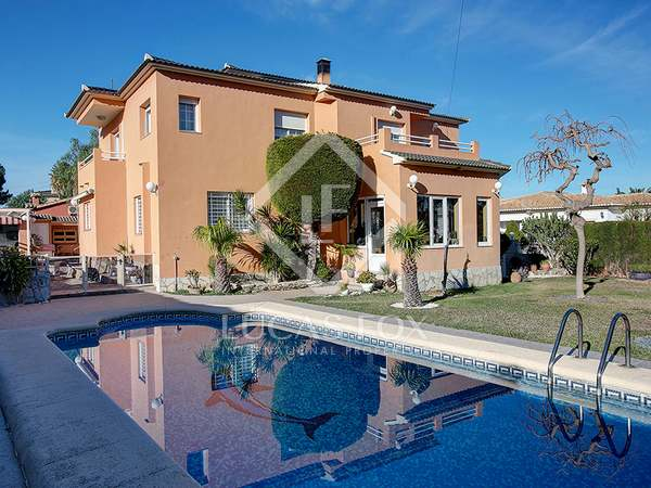 350 m² house, with 5-bedroom, for sale in Denia, Costa Blanca