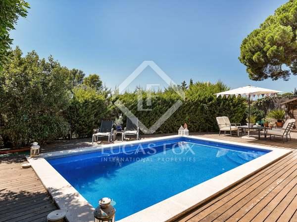 Huis / Villa van 192m² te koop met 535m² Tuin in Sant Cugat