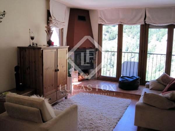 Stone 3-bedroom townhouse to buy in Andorra. Grandvalira