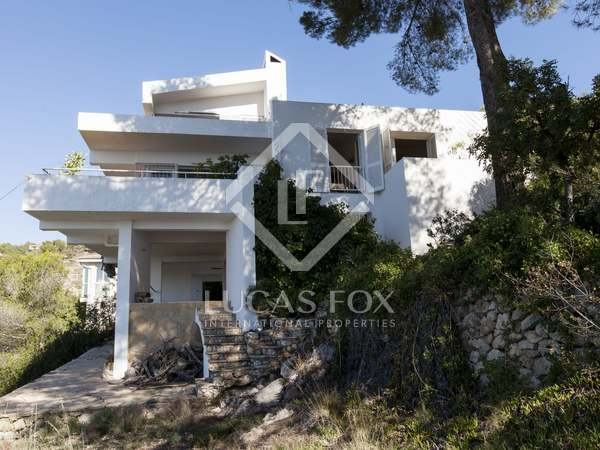 Double plot with house to renovate for sale in Levantina