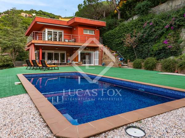 395m² House / Villa for sale in Cabrils, Maresme