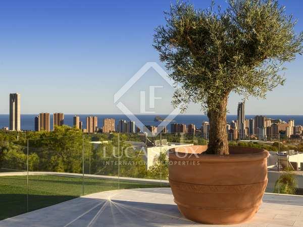 Huis / Villa van 331m² te koop met 90m² terras in Finestrat