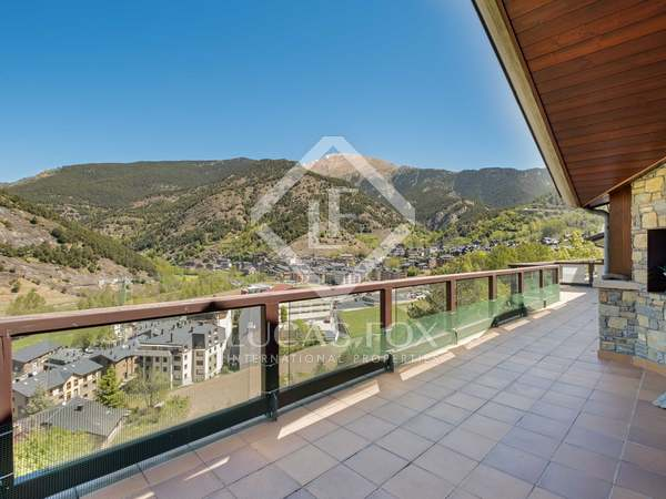 327 m² penthouse with 101 m² terrace for sale in Ordino