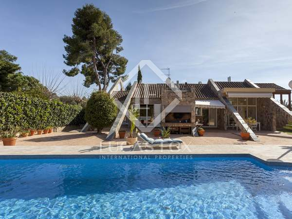 Casa / Villa de 561m² en venta en Alfinach, Valencia