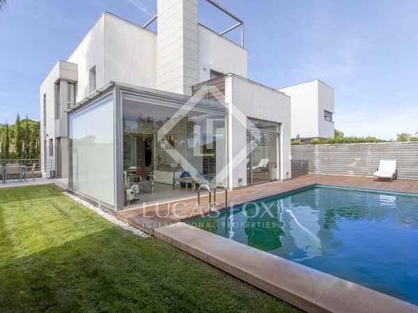Villa de 300m² con jardín de 150m² en venta en Godella / Rocafort