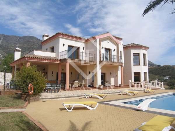 Huis / Villa van 338m² te koop met 1,200m² Tuin in Mijas