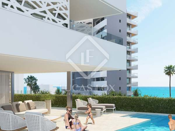 548m² House / Villa with 32m² garden for sale in Playa San Juan