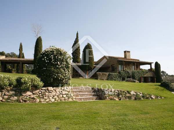 2,316m² Haus / Villa zum Verkauf in Baix Emporda, Girona