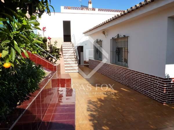 238m² House / Villa with 336m² garden for sale in East Málaga